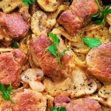 Muschi de porc cu ciuperci si mirodenii